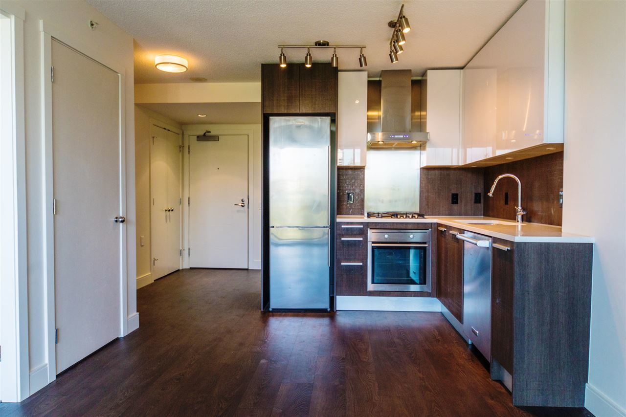 3007-glen-drive-north-coquitlam-coquitlam-02 at