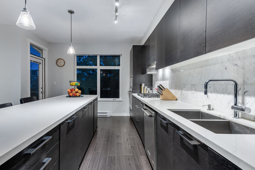 20-3400-devonshire-avenue-coquitlam-360hometours-09 at