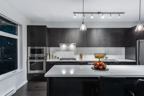 20-3400-devonshire-avenue-coquitlam-360hometours-11 at