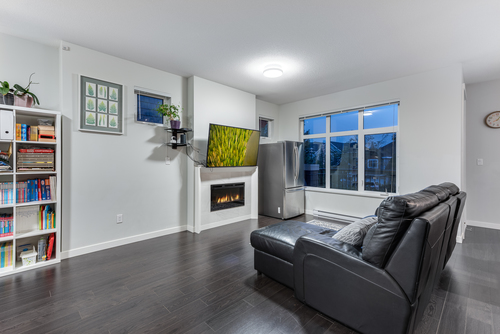 20-3400-devonshire-avenue-coquitlam-360hometours-13 at