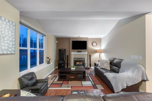 3000-riverbend-drive-coquitlam-east-coquitlam-05 at