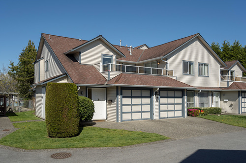 213-13725-72a-ave-360hometours-02 at