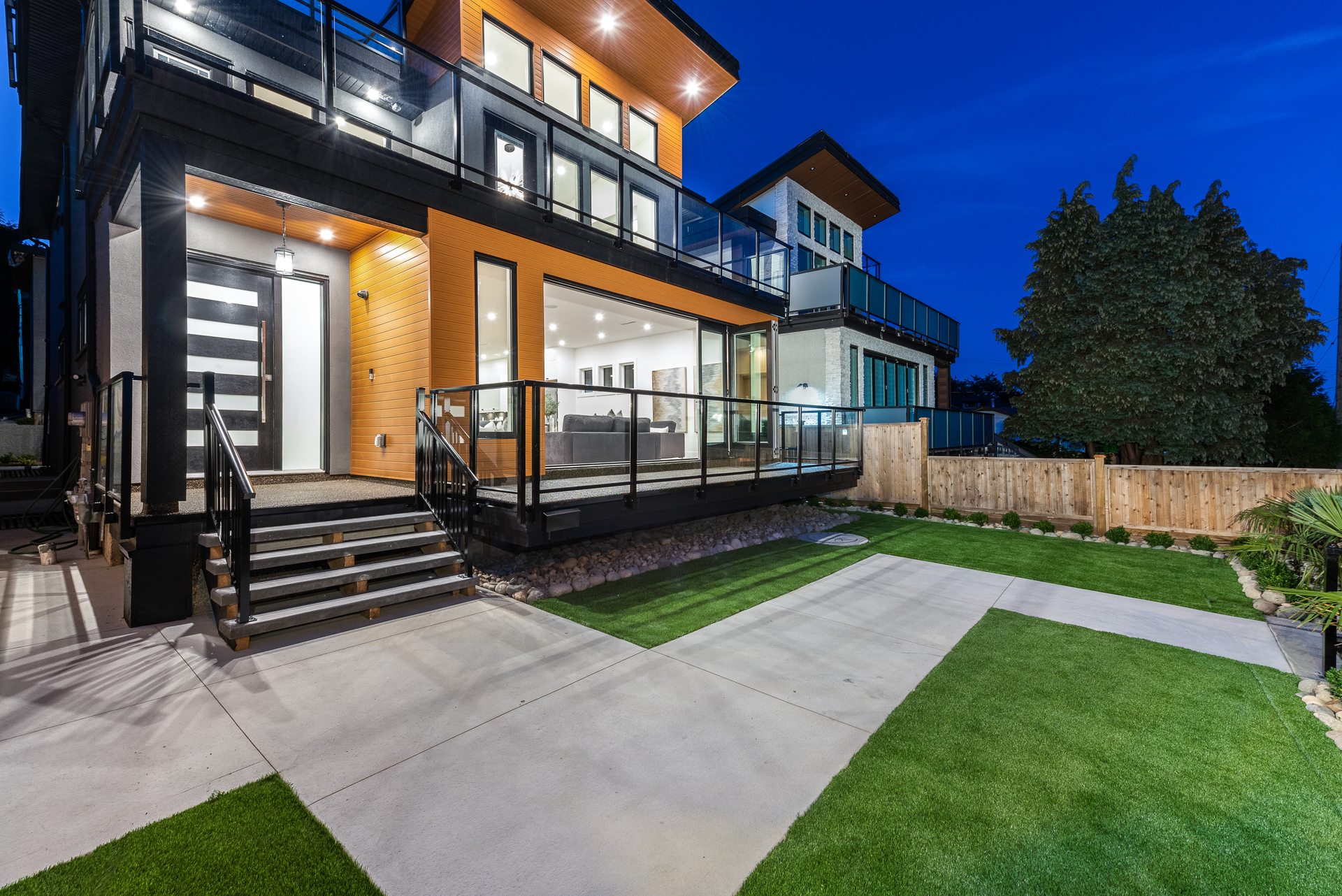 1053a-rochester-avenue-coquitlam-360hometours-03 at