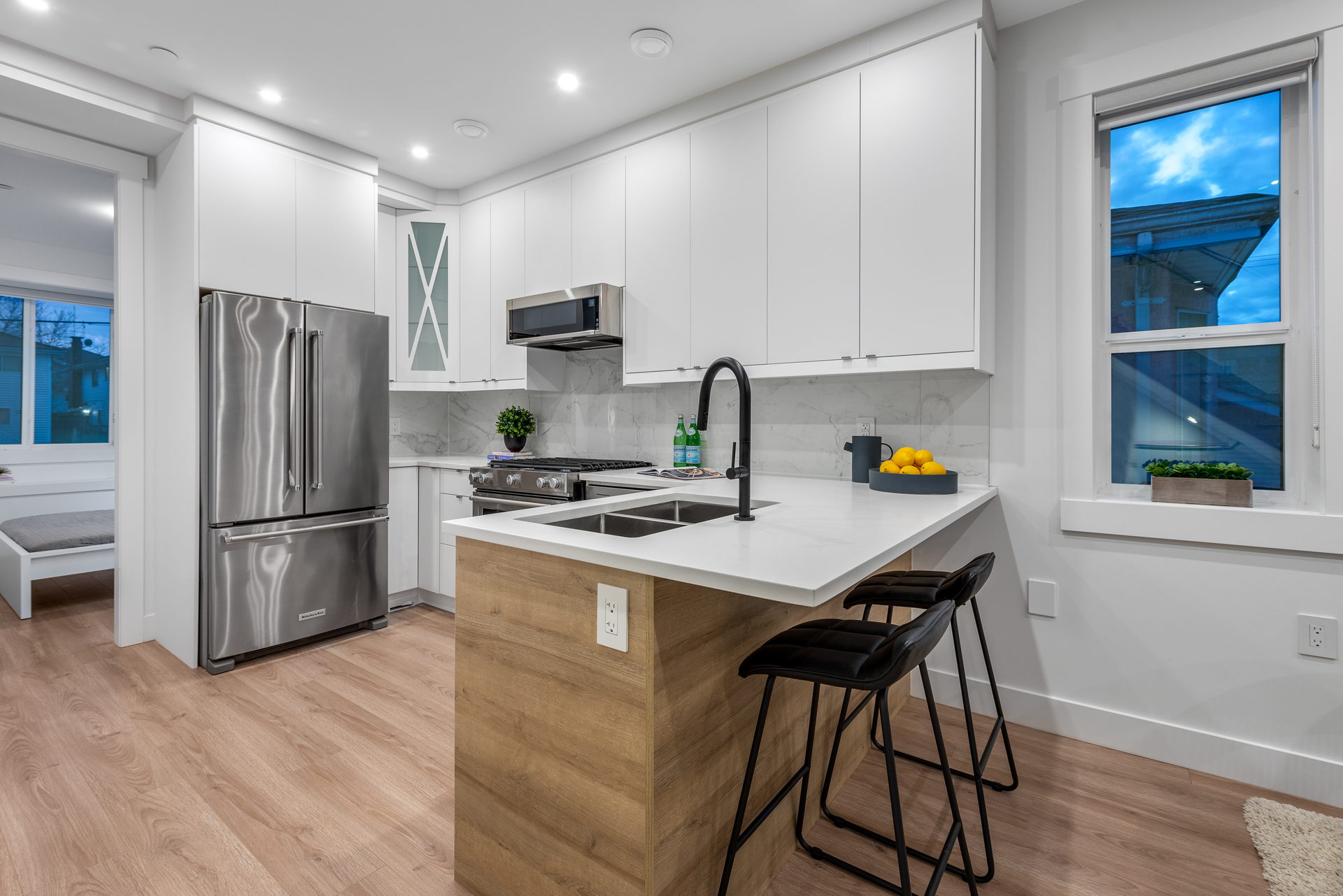 2061-e-36th-ave-vancouver-360hometours-12 at