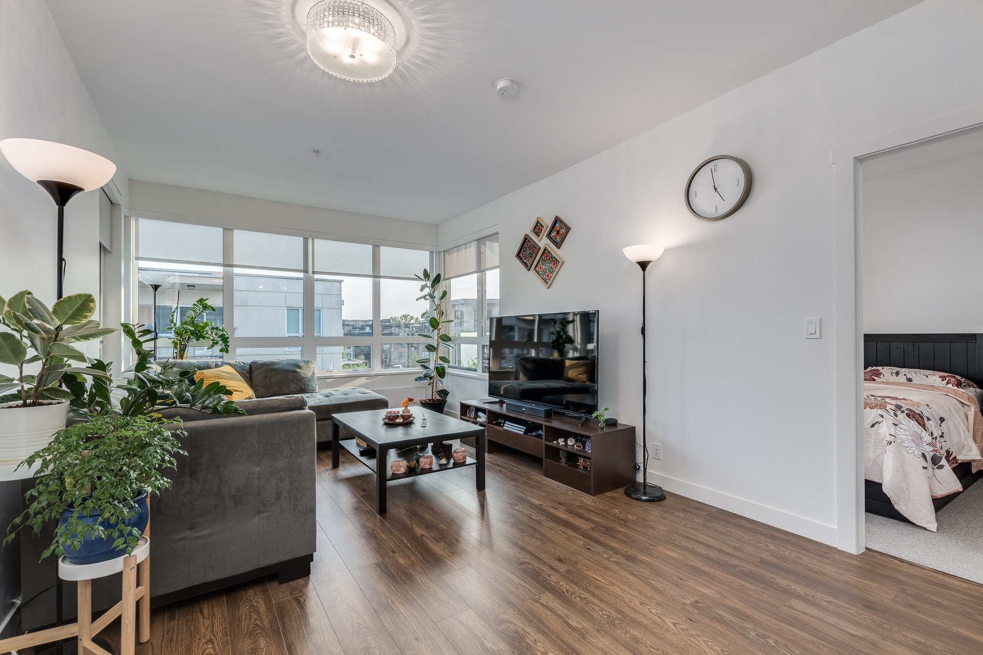 406-711-west-14th-north-vancouver-360hometours-04 at