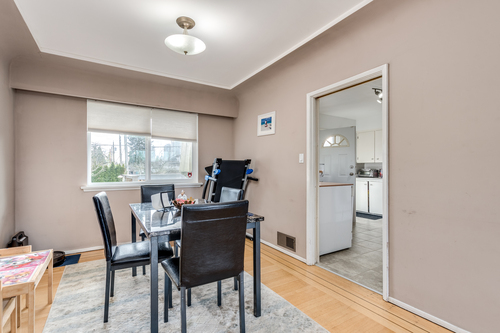 7412-imperial-st-burnaby-360hometours-06 at