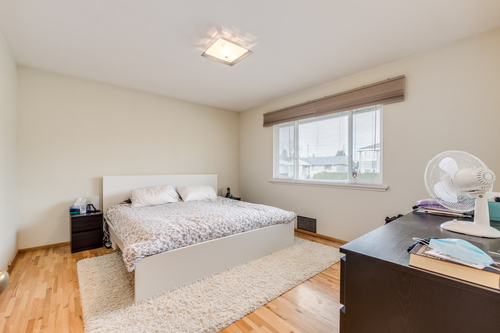 7412-imperial-st-burnaby-360hometours-13 at