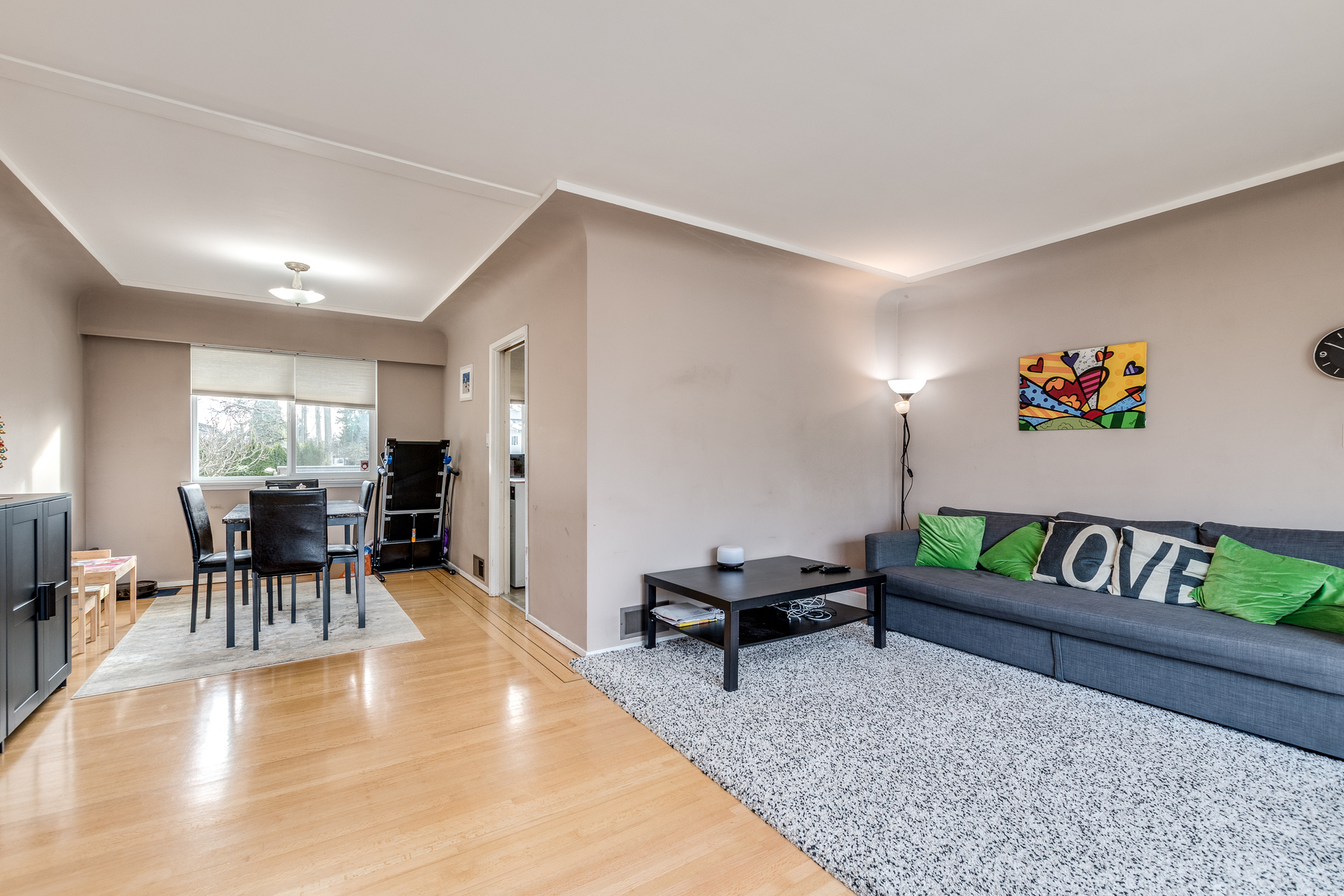 7412-imperial-st-burnaby-360hometours-04 at