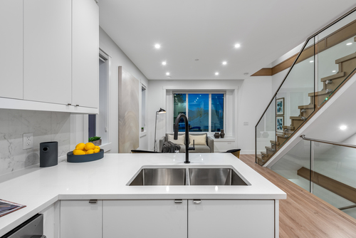 2061-e-36th-ave-vancouver-360hometours-14 at