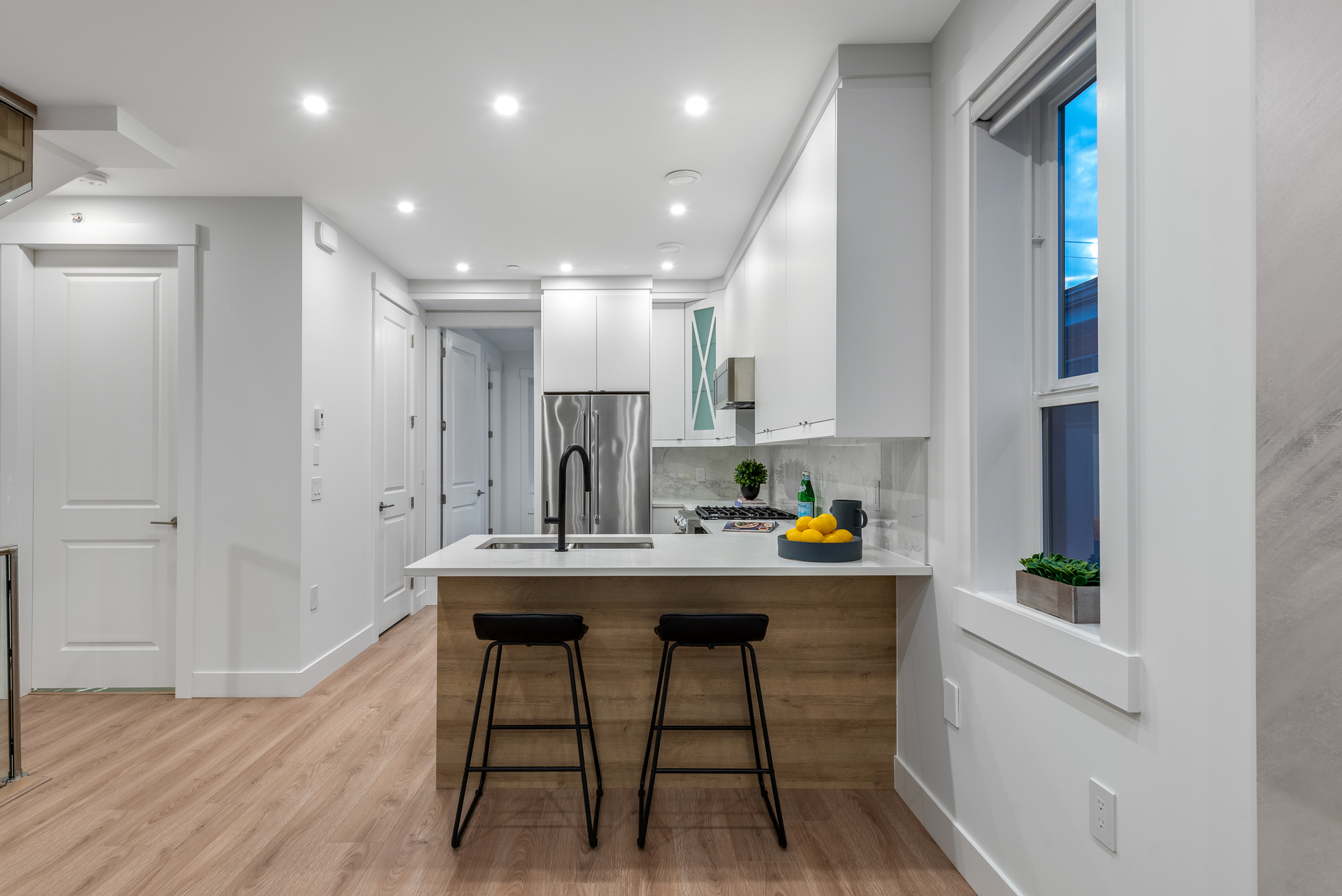 2061-e-36th-ave-vancouver-360hometours-11 at