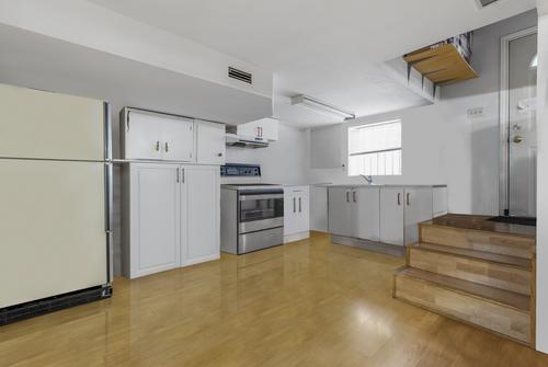 basement-kitchen at
