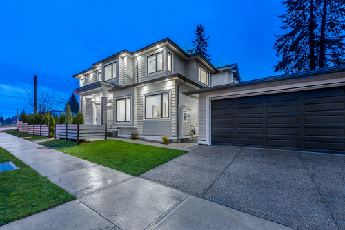 728-smith-ave-coquitlam-360hometours-02 at