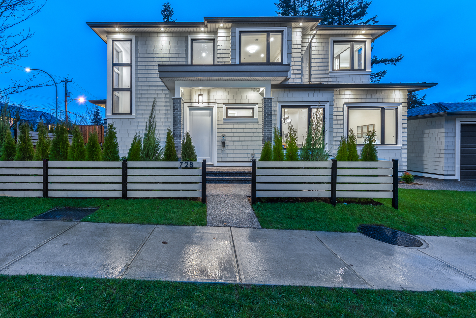 728-smith-ave-coquitlam-360hometours-03 at