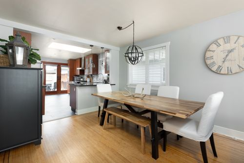 328-26th-st-w-north-vancouver-360hometours-06-copy at