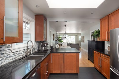 328-26th-st-w-north-vancouver-360hometours-09 at