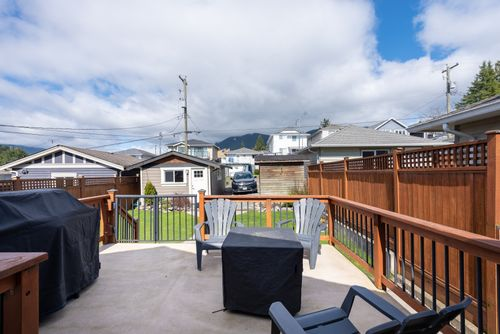 328-26th-st-w-north-vancouver-360hometours-12-copy at