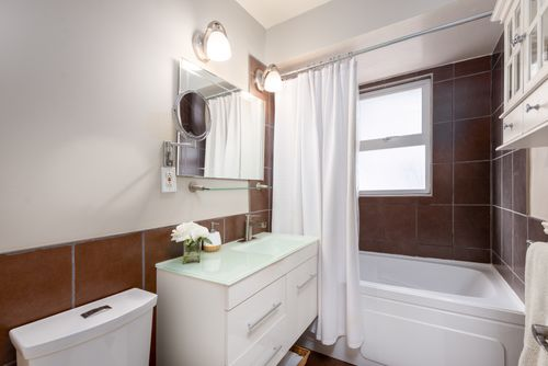 328-26th-st-w-north-vancouver-360hometours-17 at