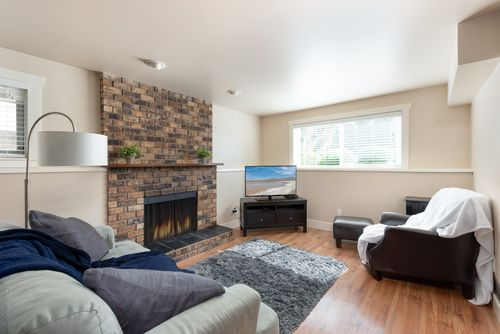 328-26th-st-w-north-vancouver-360hometours-20 at