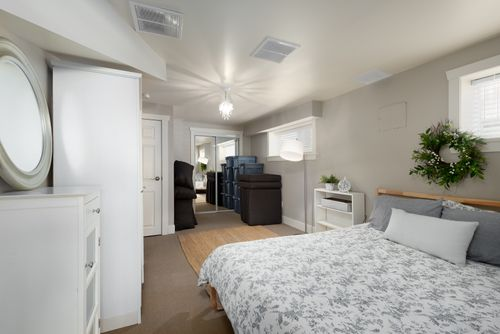 328-26th-st-w-north-vancouver-360hometours-22 at