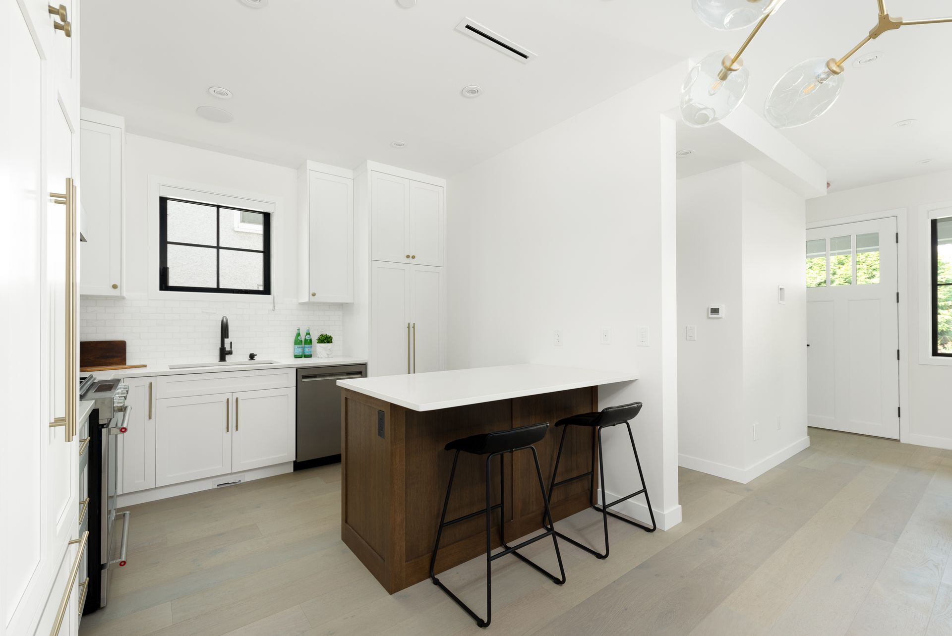 2476-e-pender-vancouver-360hometours-07 at