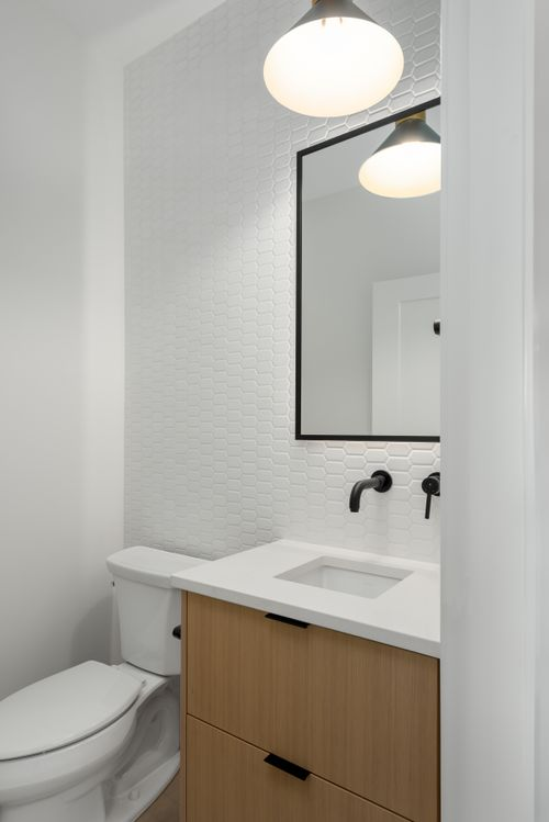 2478-2480-e-pender-vancouver-360hometours-11 at