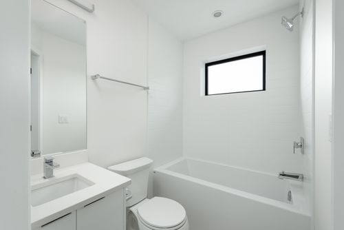 2478-2480-e-pender-vancouver-360hometours-17 at