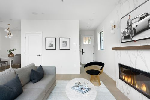 2478-e-pender-vancouver-360hometours-03 at