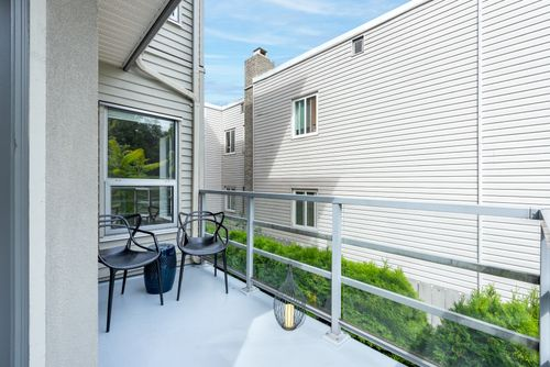 3155-w-4th-ave-vancouver-360hometours-05 at