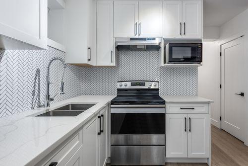suite-kitchen at