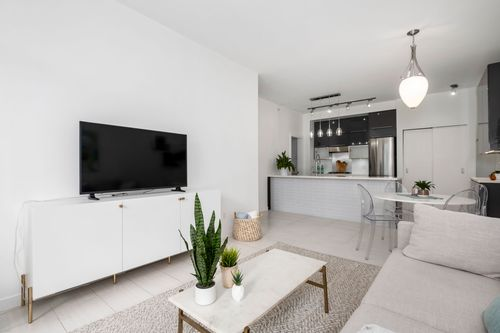306-125-hornby-st-360hometours-06 at