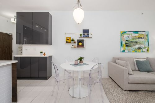 306-125-hornby-st-360hometours-09 at