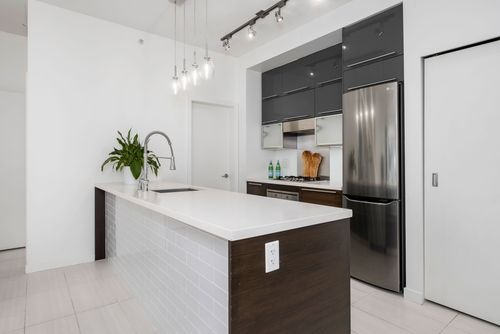 306-125-hornby-st-360hometours-11 at
