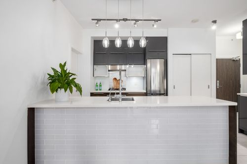 306-125-hornby-st-360hometours-12 at
