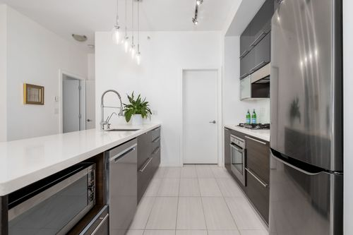 306-125-hornby-st-360hometours-13 at