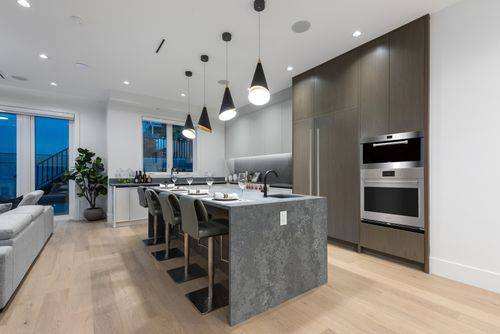 4042-yale-st-burnaby-360hometours-14 at