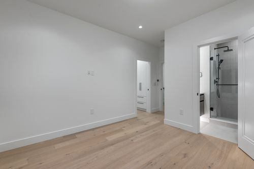4042-yale-st-burnaby-360hometours-39 at