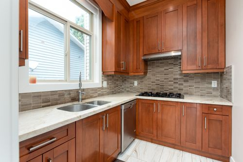 2130-patricia-ave-port-coquitlam-360hometours-15 at