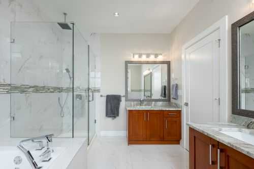 2130-patricia-ave-port-coquitlam-360hometours-23 at