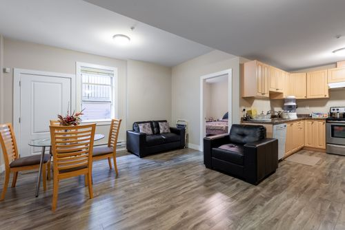 2130-patricia-ave-port-coquitlam-360hometours-32 at
