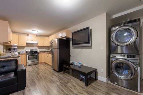 2130-patricia-ave-port-coquitlam-360hometours-33 at