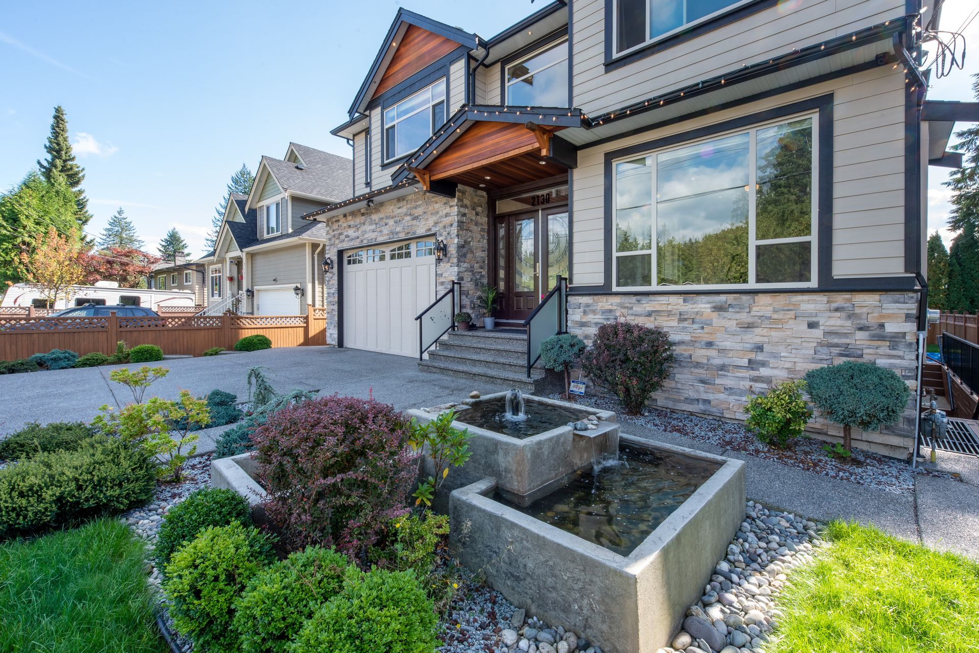 2130-patricia-ave-port-coquitlam-360hometours-03 at