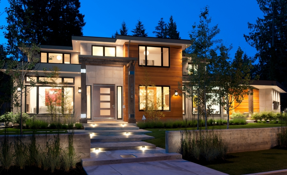 2590 newmarket drive edgemont north vancouver for Modern design homes for sale