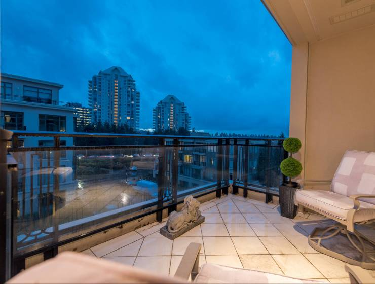 401 - 533 Waters Edge Crescent, Park Royal, West Vancouver 3