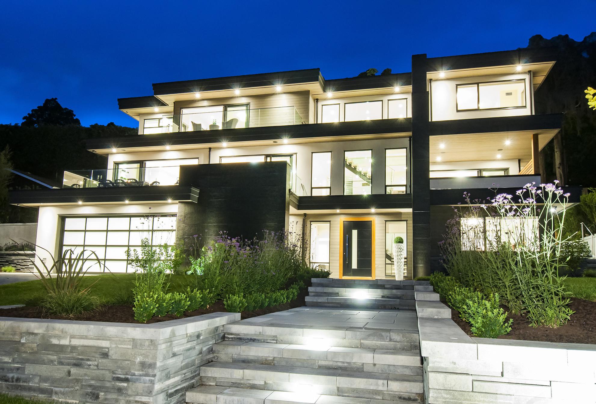002 at 4113 Bayridge Avenue, Bayridge, West Vancouver