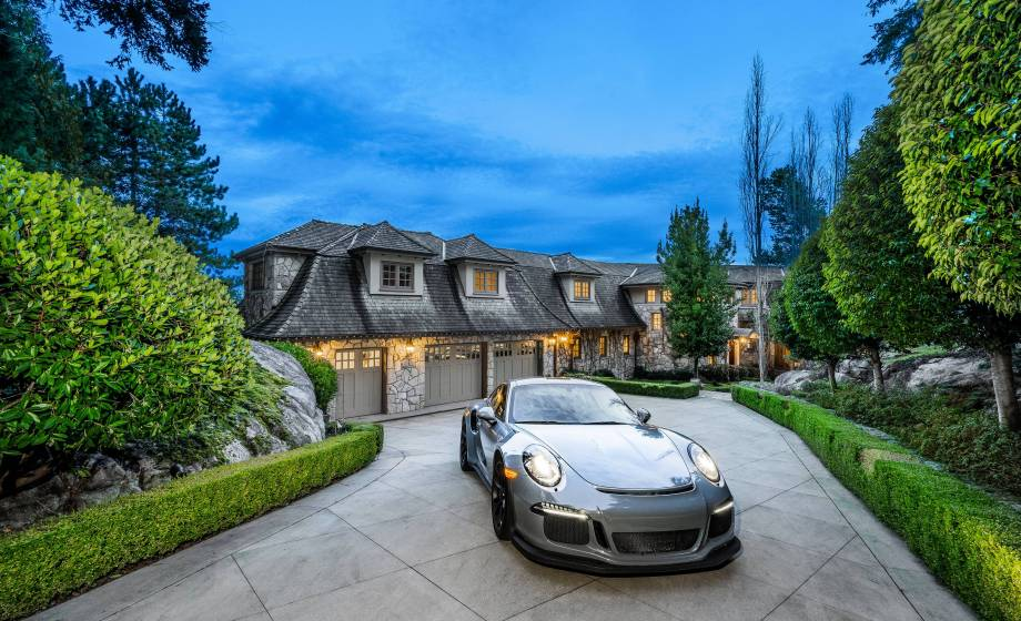 4672 Clovelly Walk, West Vancouver