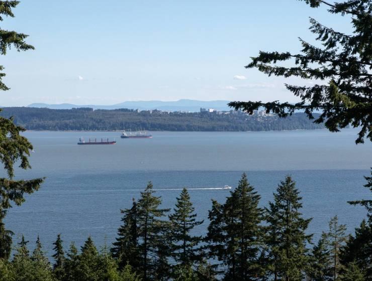 8 - 3085 Deer Ridge Close, Deer Ridge WV, West Vancouver 3