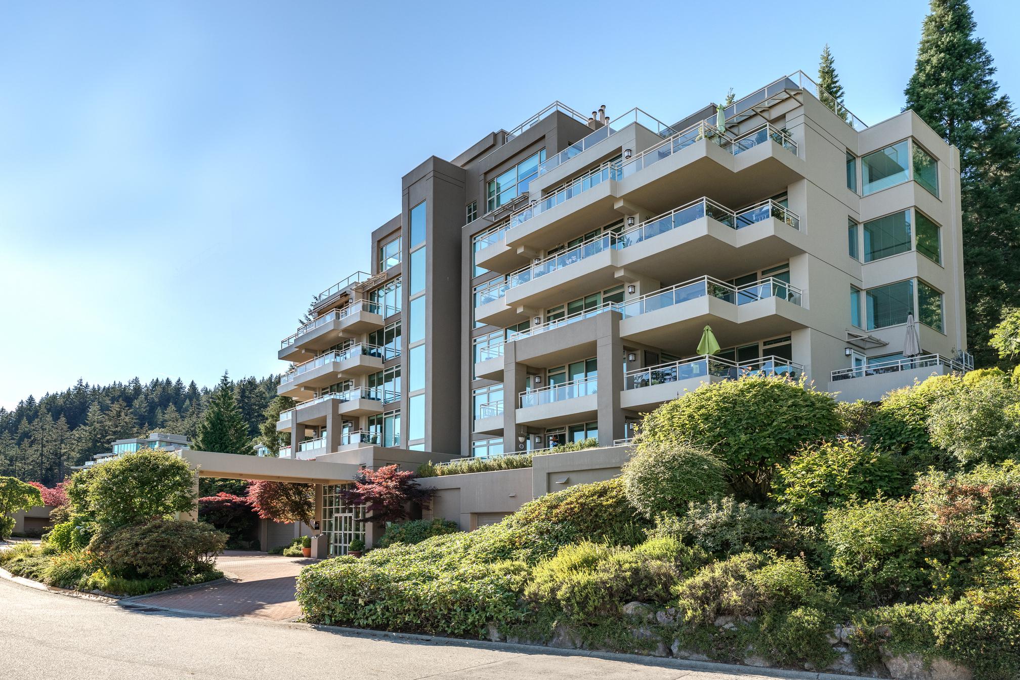 8 - 3085 Deer Ridge Close, Deer Ridge WV, West Vancouver