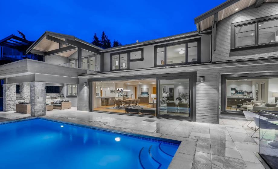 3820 Southridge Avenue, Bayridge, West Vancouver