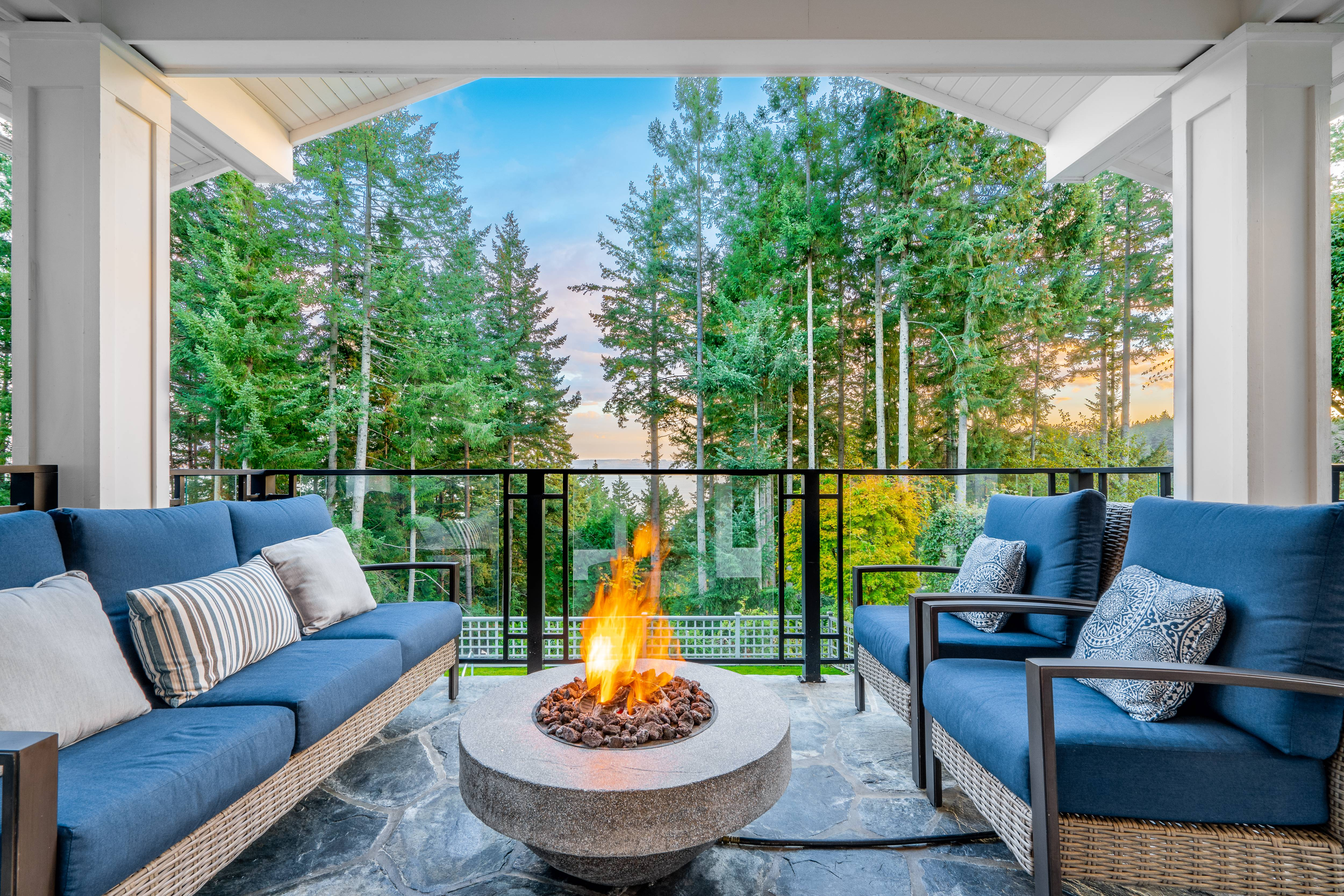 4638 Decourcy Court, Caulfeild, West Vancouver 2