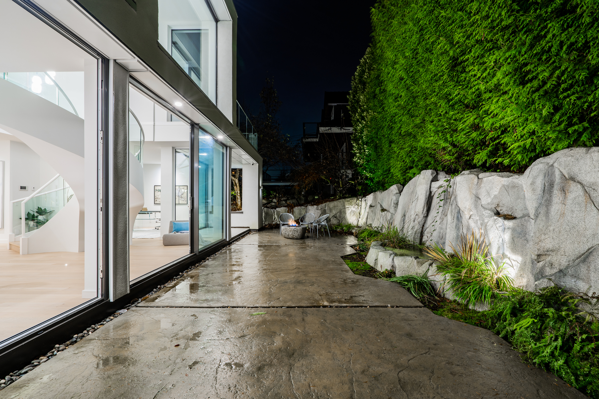 at 655 Beachview Drive, Deep Cove, North Vancouver